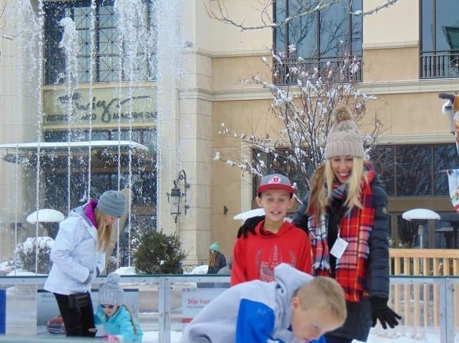 Holiday Ice Rink at Station Park – Farmington